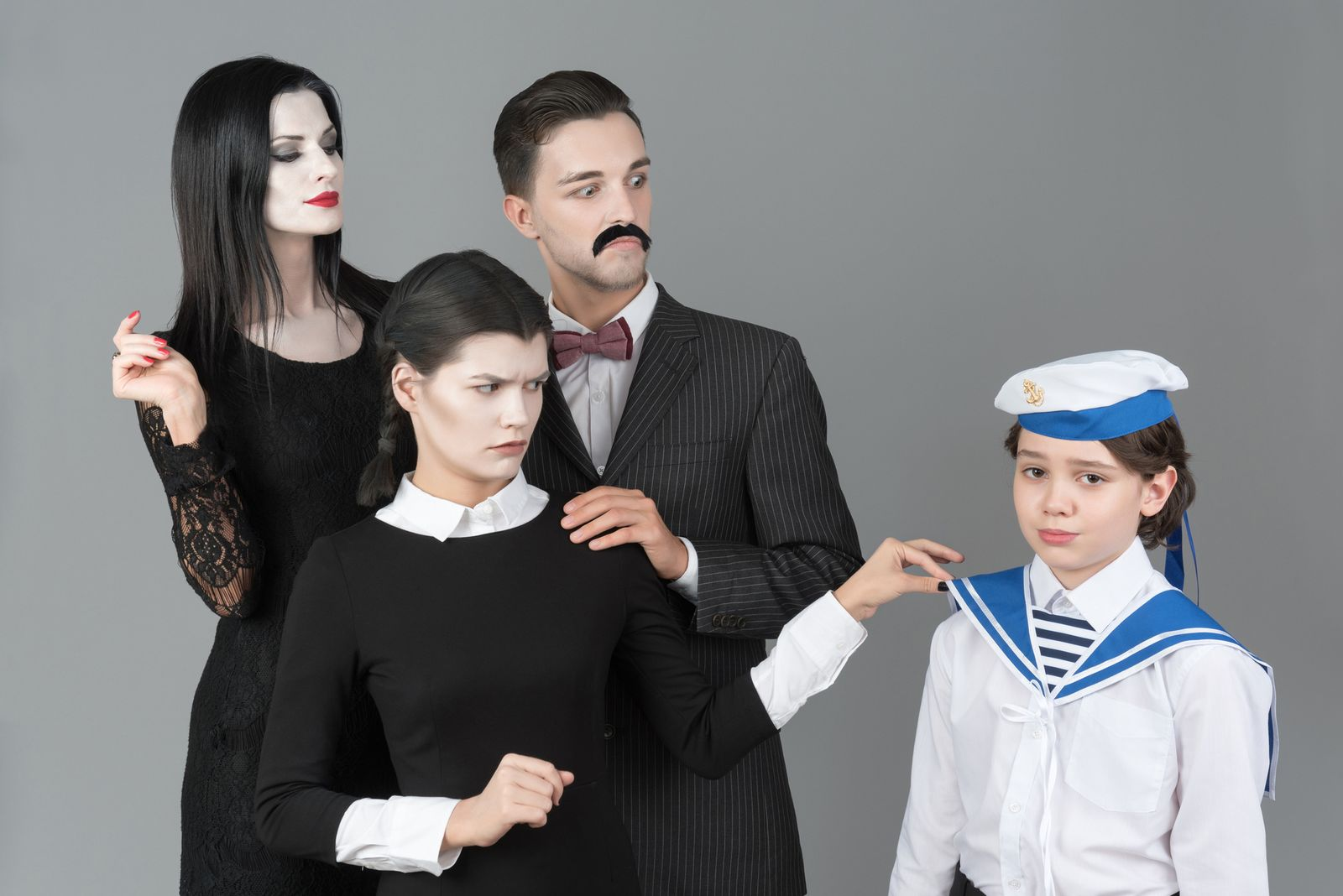 Happily Ever After: a collection of illustrations, icons and photos for Parents' Day: Addams family